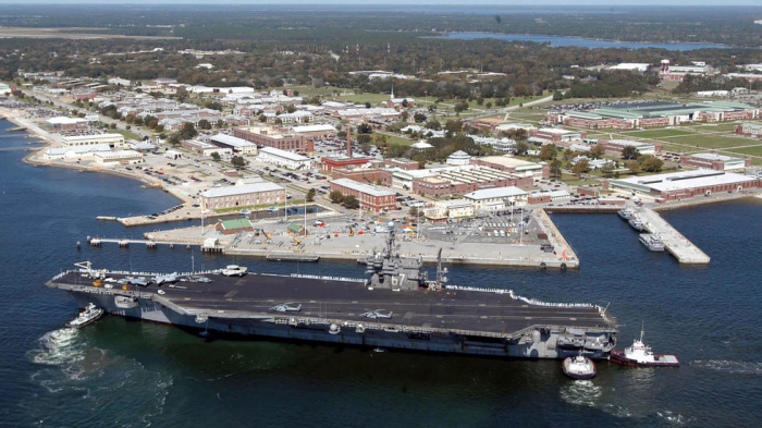 Three killed, shooter dead in US navy base attack