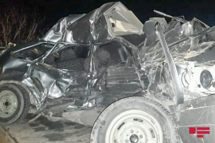 Bərdədə iki avtomobil toqquşub, 1 nəfər ölüb