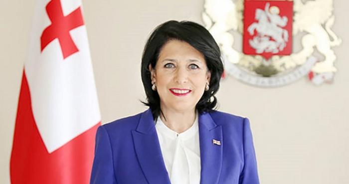 """Salomé Zurabishvili:   """"El presidente de Azerbaiyán es uno de los líderes más exitosos de nuestra época"""""""