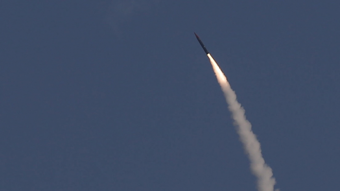 Israel prueba un proyectil no identificado y Zarif afirma que es un misil con capacidad nuclear dirigido contra Irán