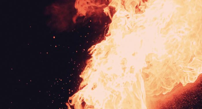 Decenas de muertos en un incendio de una fábrica en Nueva Delhi