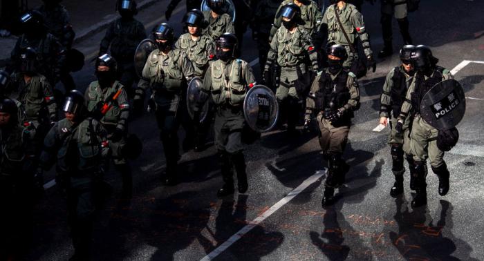 La Policía hongkonesa detiene a 11 sospechosos e incauta arma de fuego antes de otra marcha