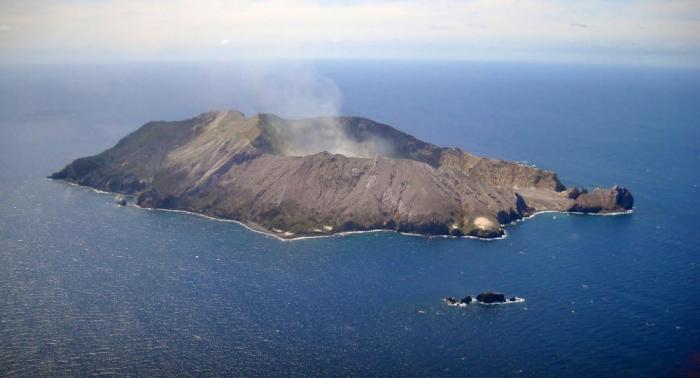 Entra en erupción un volcán en Nueva Zelanda