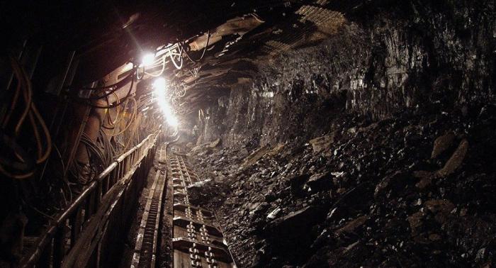 Derrumbe en una mina de oro sudafricana deja cuatro muertos