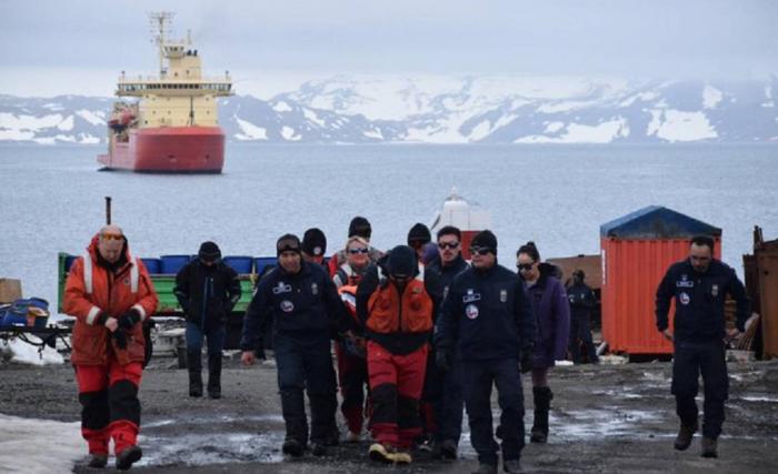 Desaparecido un avión militar chileno camino a la Antártida con 38 personas a bordo