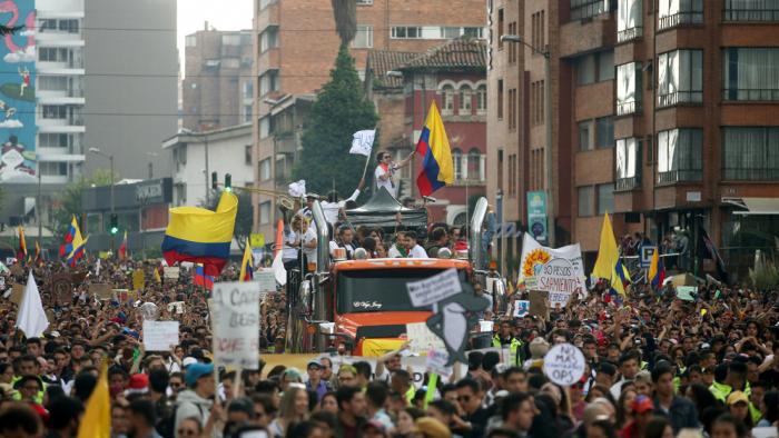 Comité de paro pide al gobierno colombiano una mesa de negociación, más allá del diálogo