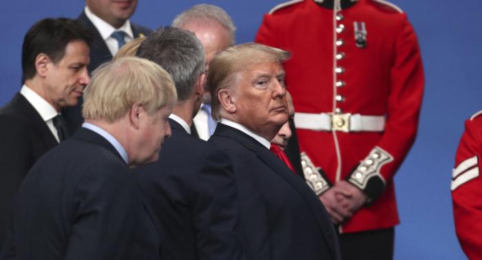 Blutroter Himmel für Nato-Weihnachten 2019 – Lauter die Panzermotoren nicht dröhnen