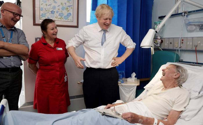 El éxodo por el Brexit agrava la crisis de la sanidad pública británica