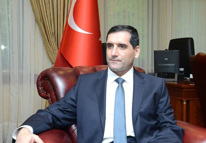 Türkischer Botschafter besucht das Grab des Nationalleaders