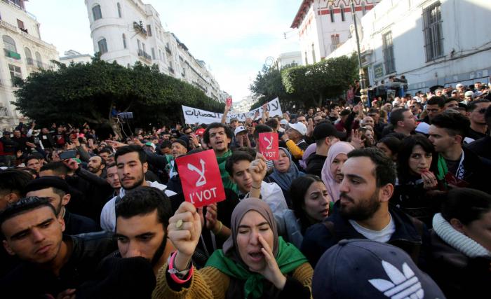 Los argelinos eligen nuevo presidente entre cinco candidatos del antiguo régimen