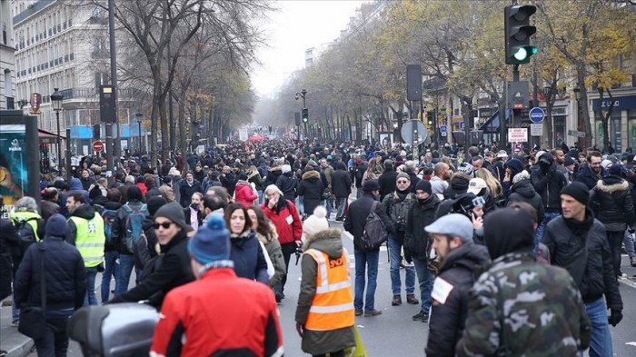 France:   la grève se poursuit