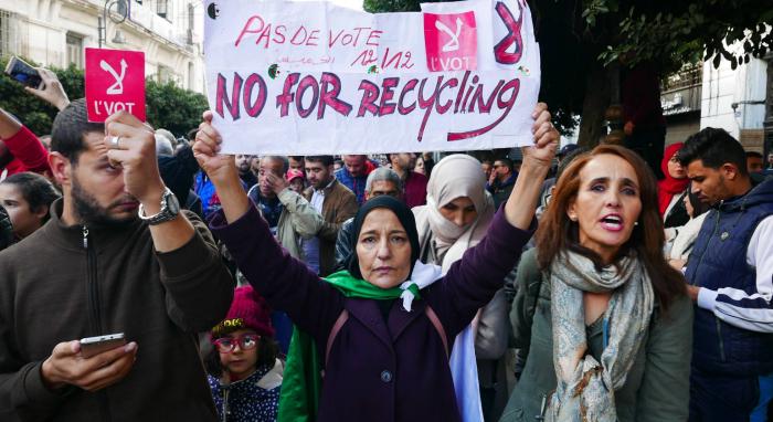 Moderada participación en las elecciones de Argelia entre manifestaciones y boicot
