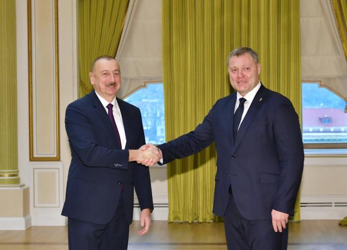 Präsident Ilham Aliyev empfängt Gouverneur der russischen Region Astrachan