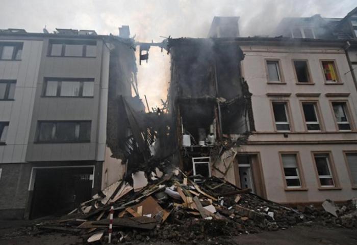 At least 25 injured in German apartment block blast