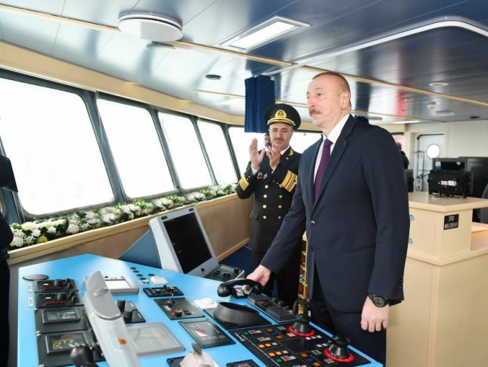 Ilham Aliyevassiste à la cérémonie de mise en exploitation du premier pétrolier construit à Bakou