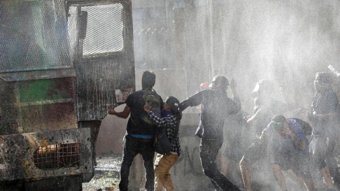 Masiva movilización en Santiago de Chile contra el Gobierno de Piñera