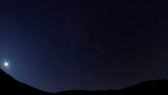 VIDEO:  Una de las mejores lluvias de meteoros del año alcanza su punto máximo