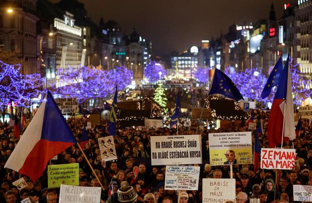 Czechs call for billionaire prime minister to resign