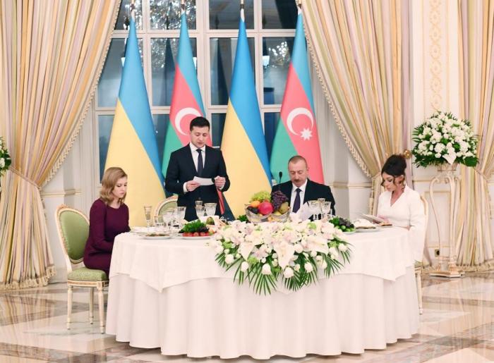 Ilham Aliyev war Gastgeber eines offiziellen Empfangs zu Ehren des ukrainischen Präsidenten