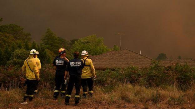 Australia fires: Travel warnings issued over