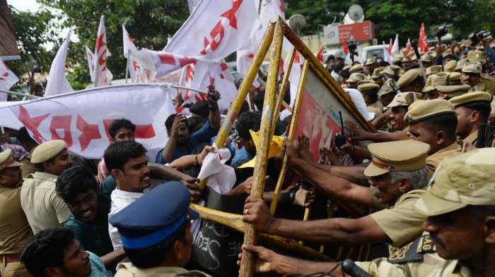 India protests rage on as death toll rises to 20