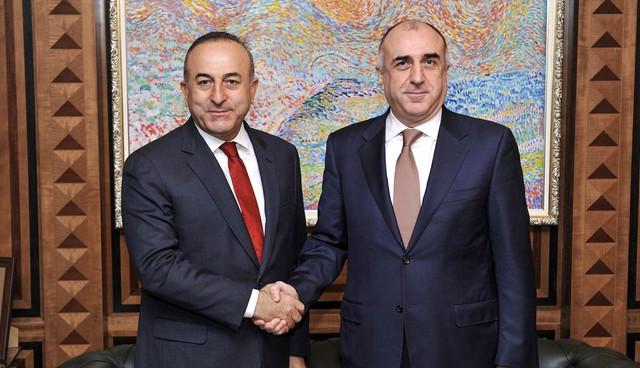 Außenminister von Aserbaidschan und der Türkei treffen sich in Tiflis