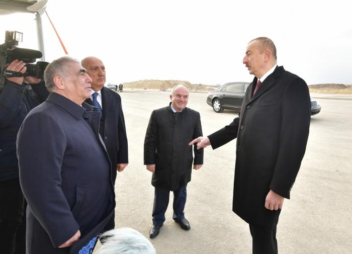 """Prezidentdən Saleh Məmmədova irad: """"Bəzi yollarda daralma var"""""""