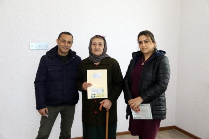 Daha 36 şəhid ailəsi və müharibə əlilinə ev verildi - FOTO