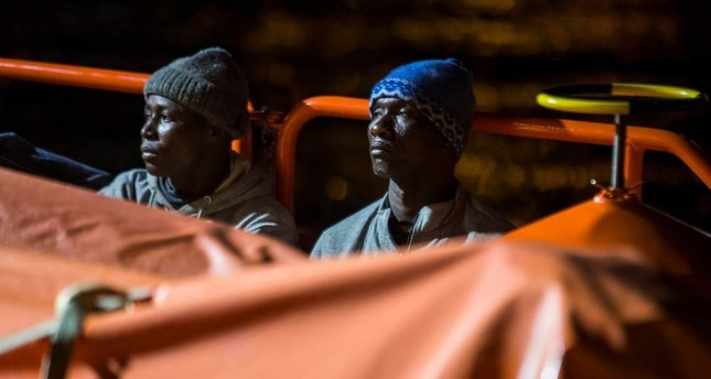 Spanish coast guard rescues 200 migrants on Christmas Day