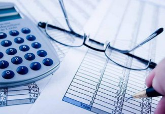 Azerbaijani Ministry of Taxes discussing introduction of differentiated VAT rates