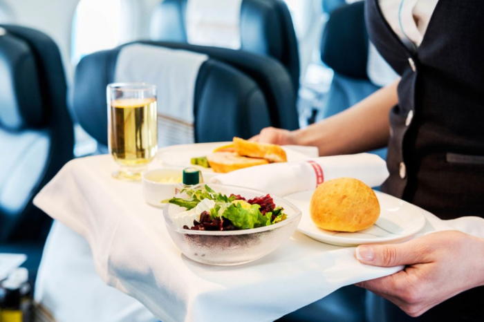 What you should know before you eat airplane food