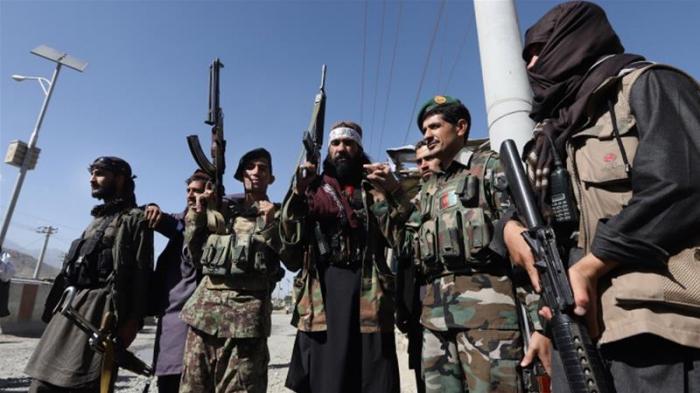 """""""Taliban"""" hərbi bazaya hücum etdi - 27 ölü"""