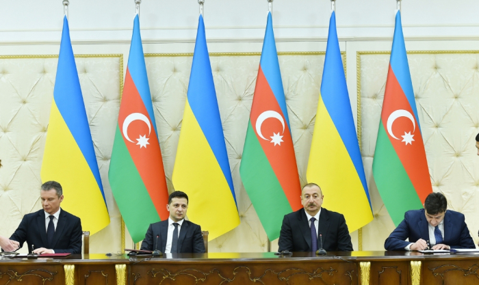 Azerbaijan, Ukraine sign bilateral documents