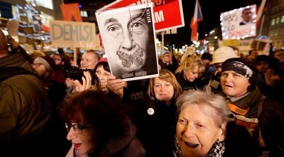 عشرات الآلاف يتظاهرون ضد الحكومة في التشيك
