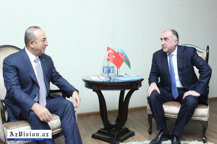 Elmar Mammadyarov meets with his Turkish counterpart