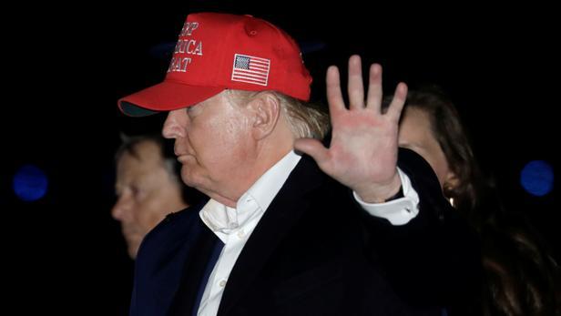 Destitution de Donald Trump: la Maison-Blanche refuse de participer à une audition