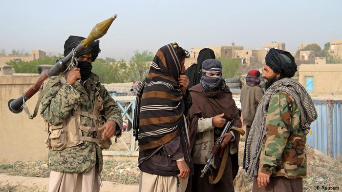 """""""Taliban"""" yaraqlıları 9 əsgəri öldürüb"""