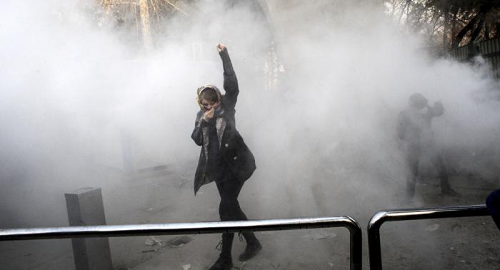 قائد الشرطة الإيرانية يخرج عن صمته: احتجاجات البنزين فاجأتنا