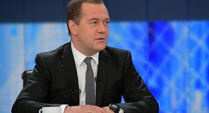ميدفيديف: أوكرانيا وروسيا ستفشلان باتفاق الغاز إذا واصلت كييف تصرفاتها