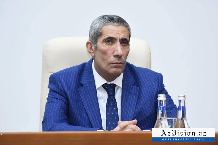 """""""Xarici dil bilsin, müasir və kreativ olsun..."""" - YAP rəsmisi"""