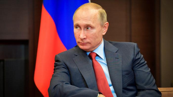 Tərcümə aparatı işləmədi, Putin almanca danışdı - VİDEO