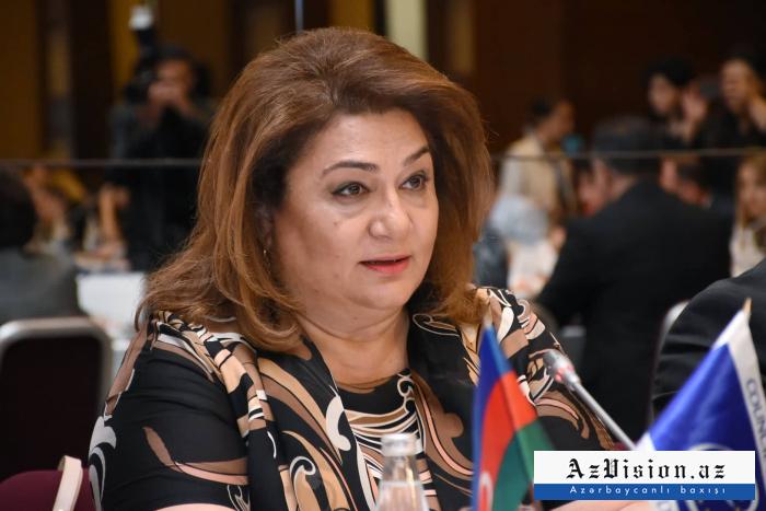 """Hicran Hüseynova: """"Qadınlar özlərini azad hiss etmirlər"""""""