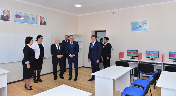 Təhsil naziri yeni məktəbin açılışında iştirak edib