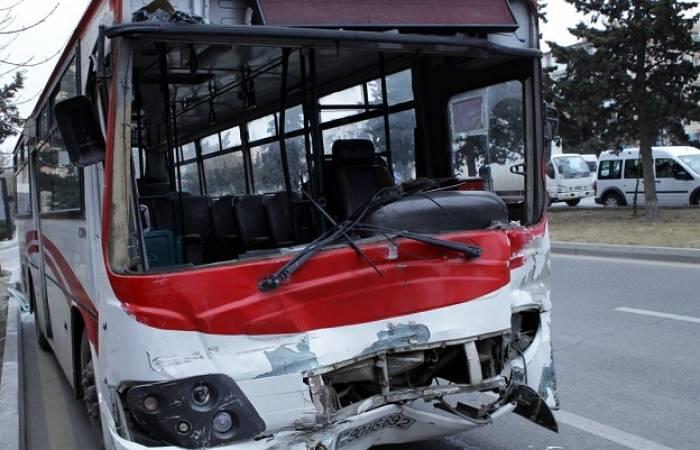 Avtobus qəzasının səbəbi məlum oldu - Sürücü yatıbmış