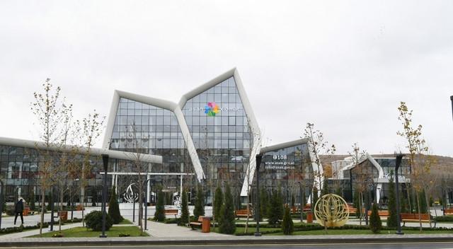"""Presidente Ilham Aliyev asiste a la ceremonia de apertura del complejo """"ASAN Hayat"""" en Shamají"""