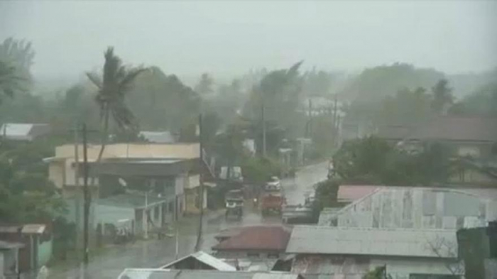 Typhoon Phanfone brings flash floods to Philippines-   NO COMMENT