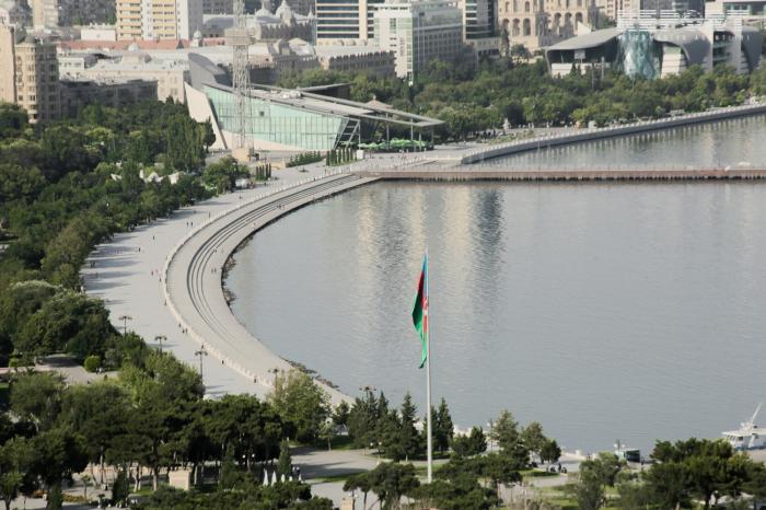 Bakú ocupa el segundo lugar entre los destinos aéreos más populares del Reino Unido
