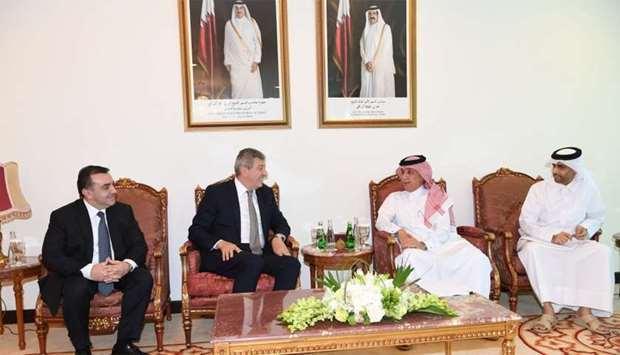 Azerbaiyán y Qatar celebran primera ronda de consultas políticas