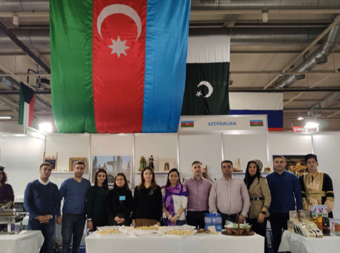 Azərbaycan məhsulları Sofiyada xeyriyyə bazarında - FOTOLAR