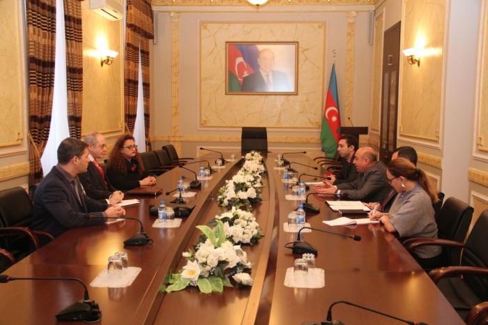 """Vertreter Europäischer Vereinigung """"Zeugen Jehovas"""" zu Besuch in Aserbaidschan"""
